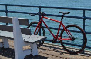 Den rödvita cykeln